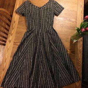 1950's dress. Full skirt, tailored, Vintage!!